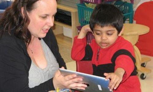 Aplicaciones del iPad ayudan a niños autistas